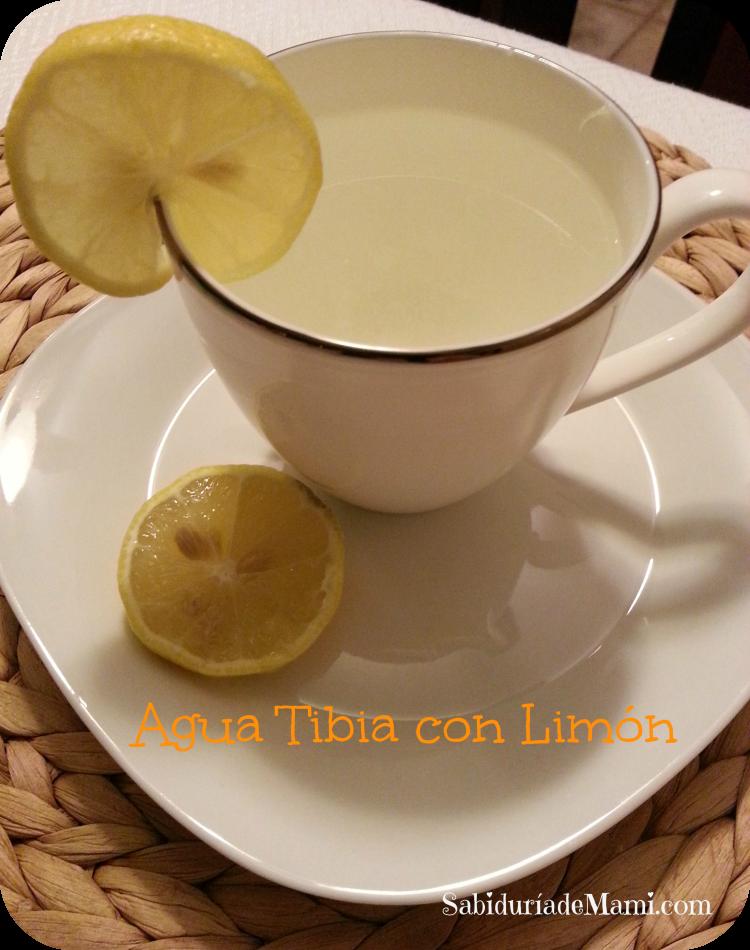 agua tibia con limon