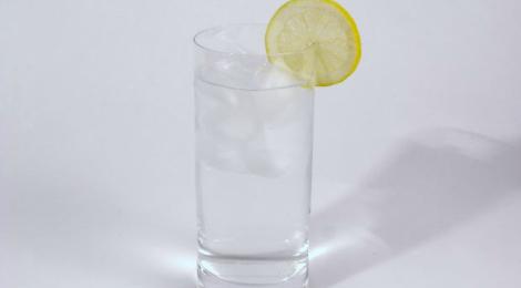 16 razones para tomar agua a diario